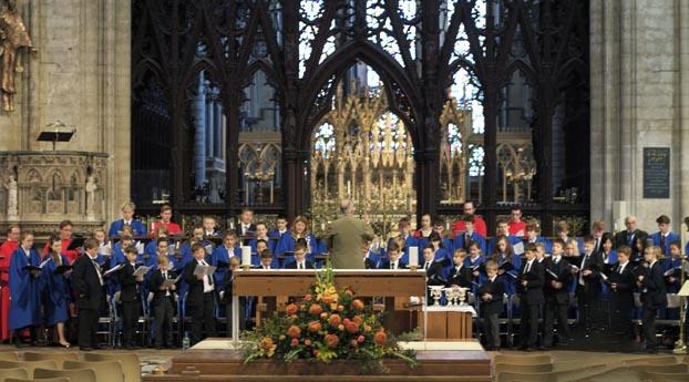 kings-ely-chapel-choir-sings-eucharist1